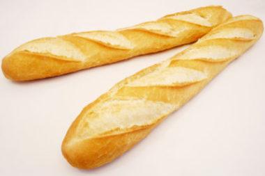 baguete, como toda massa branca de trigo, deve ser evitada
