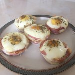muffins com ovos, bacon, ervas finas (e tem gente que acha que emagrecer é sacrifício).
